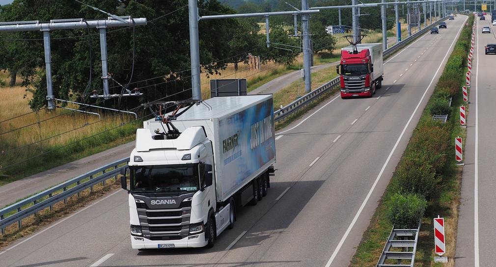 Oberleitung treibt Lastwagen im Murgtal an